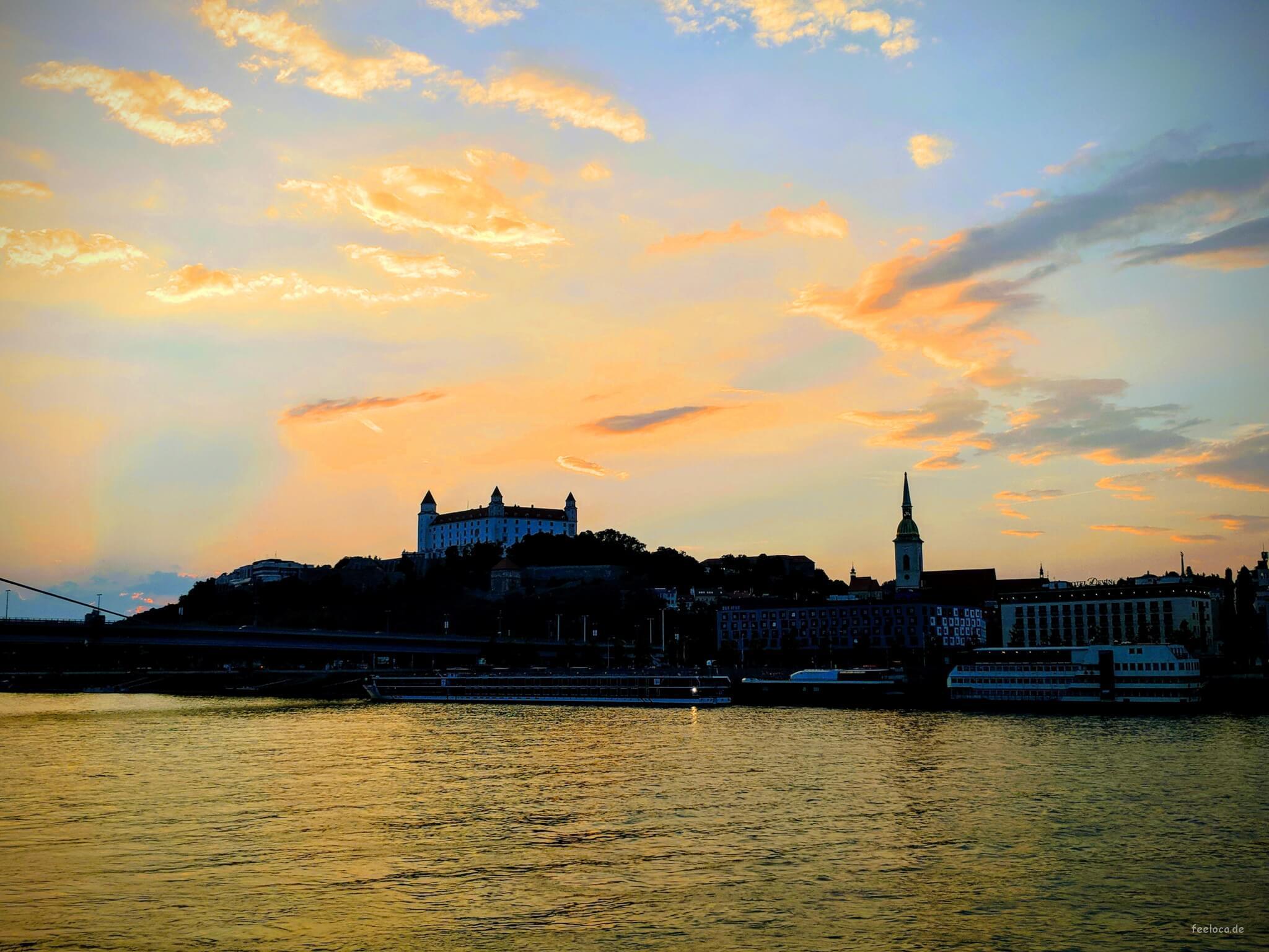 Bratislavsky hrad Sunset