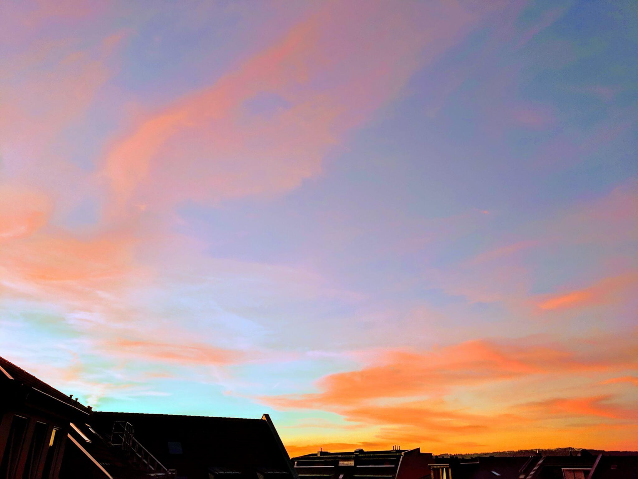Abendrot über den Dächern